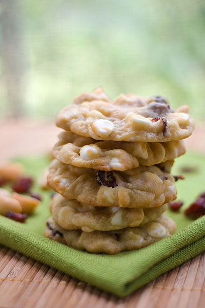 ... Friendly Fridays: White Chocolate Cranberry Macadamia Nut Cookies