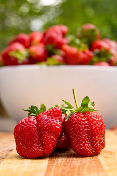 strawberry pom chutney spiced strawberry chutney spicy strawberry ...