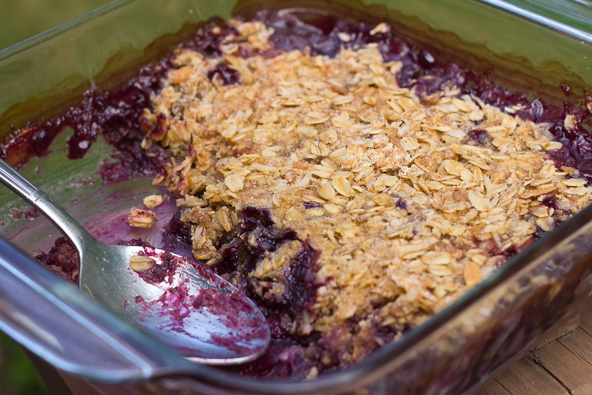 Blueberry Coconut Crisp (Gluten and Dairy Free) | Mommie Cooks!
