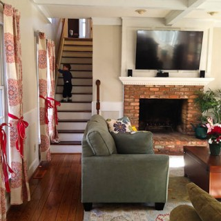 How to remove carpet and stain stairs @mommiecooks