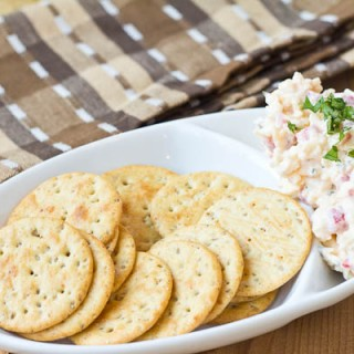 Bacon Ranch Pimento Cheese Spread from @mommiecooks