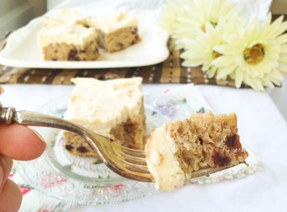 Banana Chocolate Chip Cake with Browned Butter Cream Cheese Frosting @mommiecooks