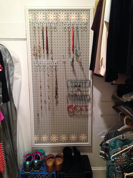 How to Make a Jewelry Wall Board @mommiecooks